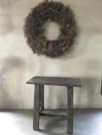 Oud vergrijsd houten kruk rechthoekig grey Black finish landelijk