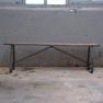Oud houten bank bankje industrieel 150 cm ijzeren onderstel metaal landelijk stoer vintage