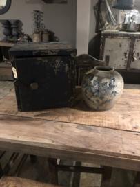 Oude metalen locker kluisje kastje wandkastje blauw industrieel stoer landelijk vintage