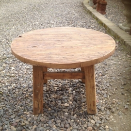 Robuuste ronde houten salontafel bijzettafel rond hout nerf stoer
