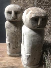Zandstenen poppetje, headstone