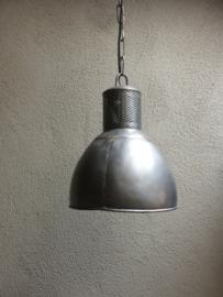 Grijze metalen hanglamp kap landelijk industrieel vintage korflamp ketel