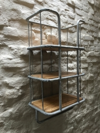 Zwaar metalen met houten wandrek 3 legplank en beugel  handdoekenrek schap kapstok landelijk industrieel