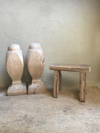 Oude vergrijsd houten ornament Hoffz ornamenten kegel kegels baluster balusters landelijk stoer hout