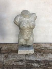 Betonnen Betonlook vrouw dames vrouwen dame  torso buste landelijk stoer vrouwenlijf borstbeeld beton stoer lijf lichaam grijs grijze beeld