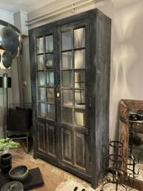 Grote zwart houten kast servies kast vitrinekast landelijk