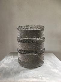 Prachtig groot metalen mand windlicht korf bak  schaal large vergrijsd matbruin poederachtig lantaarn basket metal vintage landelijk industrieel sober oosters