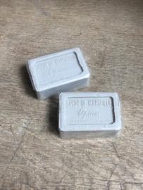 Heerlijke Franse zeep france savon de Marseille grijs grijze opium