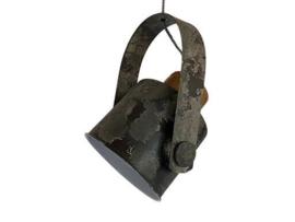 Grijze metalen hanglamp spot met hout landelijk stoer grijs old look industrieel plafondlamp