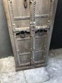 Prachtige oude houten boerenkast kast 2 deurs oude deuren poort landelijk stoer robuust naturel hout 188 x 68 x 38 cm