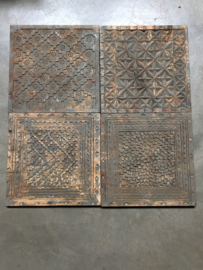 Stoere oude houten wandpanelen Plaat hout tegel tegels paneel bewerkt houtsnijwerk vintage Luik plank Wandpaneel landelijk stoer wandornament 40 x 40 Old grey
