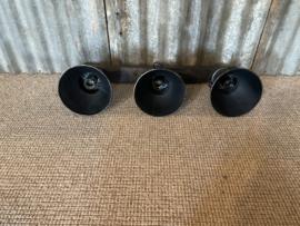 Industriële oud gerecycled metalen hanglamp wandlamp antraciet zwart old look  plafondlamp vintage urban grijs plafondlamp 3 grijze spots spot kappen metaal verstelbaar landelijk stoer vintage