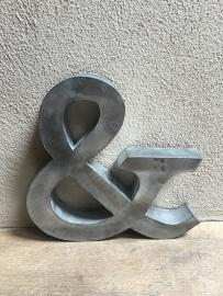 Zinken letter & groot zink landelijk stoer industrieel metaal metalen letters