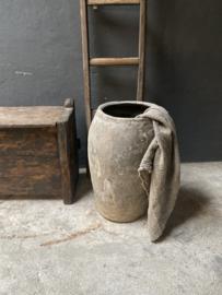 Grote grijs grijze stenen pot kruik vaas stoer landelijk