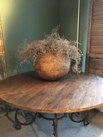 Prachtige grote houten ronde tafel teakhouten teakhout houten blad 160 cm smeedijzeren onderstel landelijk stoer industrieel