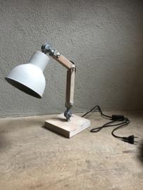 Vintage industriële lamp wandlamp bedlamp bedlampje wandlampje industrieel landelijk grijs bruin tafellamp Burolamp bureaulamp landelijk industrieel hout metaal zink zinken