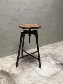 Industriële kruk barkruk metaal hout stoer industrieel landelijk verstelbaar counterkruk zwart