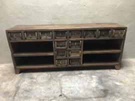 Prachtig massief houten dressoir sidetabe met lades van oude baksteenmallen landelijk industrieel vintage kast hout