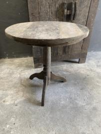 Oud vergrijsd houten tafel tafeltje rond 71 cm wijntafel wijntafeltje landelijk stoer grijs bijzettafel bijzettafeltje