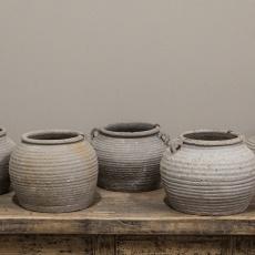 Stenen pot kruik potje vaas bruin landelijk stoer met jute touw sober boerderij boerenpot