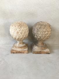Prachtige oud houten ornament kegel bol hout wit grijs vergrijsd doorleefd sleets landelijk vintage