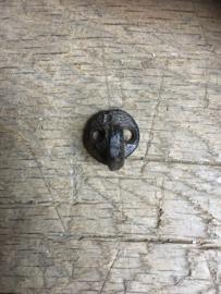 Gietijzeren mini klein haak haakje wandhaak kapstokhaak landelijk bruin