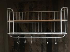 Zwaar metalen met houten wandrek 2 legplanken  6 haken  handdoekenrek schap kapstok landelijk industrieel
