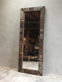 Stoere metalen spiegel passpiegel grijsbruin 180 x 70 cm gerecycled metaal stoer industrieel landelijk urban