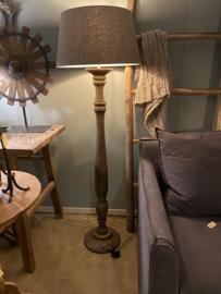 Stoere naturel bruine houten balusterlamp stoer industrieel ballusterlamp vloerlamp 125 cm tafellamp landelijk stoer robuust