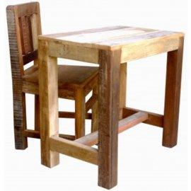 Oud houten tafeltje bijzettafeltje Salontafel kindertafeltje kleur color colour burootje landelijk vintage industrieel