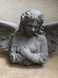 Betonnen engel beton beeld wandengel staande engeltje tuinbeeld beton landelijk
