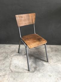 Stoer vintage stoel stoelen stoeltje stoeltjes schoolstoeltjes metaal hout schoolstoel model landelijk industrieel