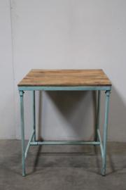 Stoer vintage metalen tafel tafeltje buro bureau met houten blad landelijk industrieel turqouise blauw
