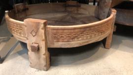 Stoer houten tafel salontafel bijzettafel ghatti grinder kandelaar naturel M maalteen  opstapje rond landelijk Ibiza vintage india