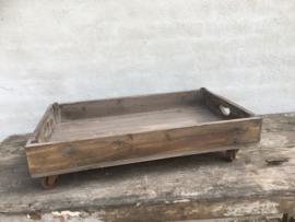 Vergrijsd houten dienblad tray kist op wieltjes industrieel landelijk vintage stoer hout grijs