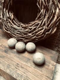 Vergrijsd houten bal bol decoratiebol landelijk stoer sober hout grijs groot 12 cm large