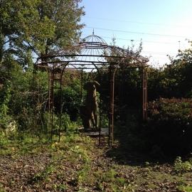 Smeedijzeren prieel rond 2,7 meter doorsnede rozenboog tuinhuis tuinornament klimplanten