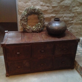 Stoere metalen locker ladenkast drawer roestbruin roest landelijk industrieel vintage dressoir sidetable ladenkast urban