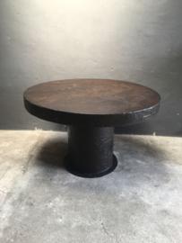 Stoere grote metalen ronde tafel metaal bruin 120 cm rond landelijk industrieel robuust