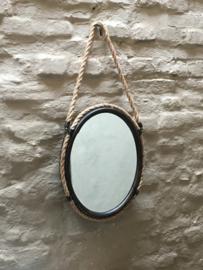 Stoere ovale spiegel ovaal landelijk rustiek industrieel aan grof jute koord
