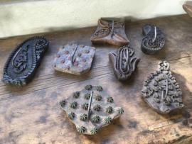 Vintage houten kapstokhaken haak kapstok batik kapstokhaak wandkapstok wandhaak landelijk textielstempel stempel industrieel