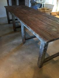 Zeer grove grote origineel oude hardhouten eettafel 297 cm werktafel werkbank stoer robuust Boerentafel blokpoten