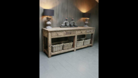 Stoer houten sidetable tafel ladekast wastafel werkbank bureau landelijk stoer robuust vergrijsd hout kookeiland keukeneiland