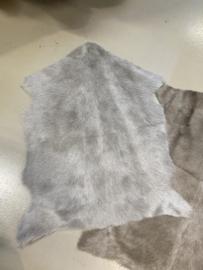 Nieuwe geitenhuid vacht lichtgrijs licht grijs