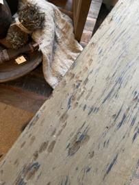 Stoere oude vergrijsde wandplank wandconsole Railway truckwood smeedijzeren metalen schapdragers inclusief oude plank plankdragers landelijk industrieel 60 cm