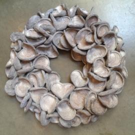 Stoere grijze badam krans 55 cm landelijk stoer grijs whitewash vergrijsd