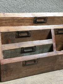 Stoere oude houten organizer postvak postbak landelijk ruw hout urban industrieel hout vintage