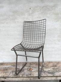 Metalen stoel stoelen stoeltje stoeltjes industrieel stoer urban