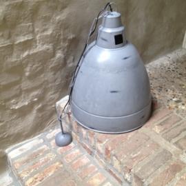 Grote grijze industriële lamp hanglamp grijs/wit landelijk grijze fabriekslamp