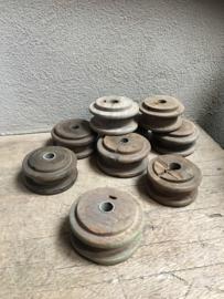 Oude houten doorleefde klos katrol kandelaar landelijk assorti garen spoel kandelaar voor diner kaars doorleefd geleefd